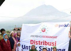 Penyerahan Donasi Kemanusiaan Kepada Para Pengungsi di Gunung Sinabung g